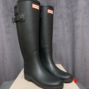 Authentic black Hunter boots size 7
